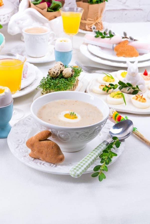 Polnische Ostern-Suppe stockfoto