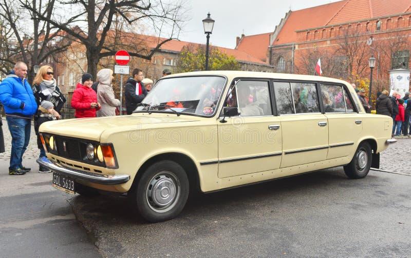 Polnisches Auto FSO Polski Fiat 125p des Klassikers während einer Parade lizenzfreie stockfotos