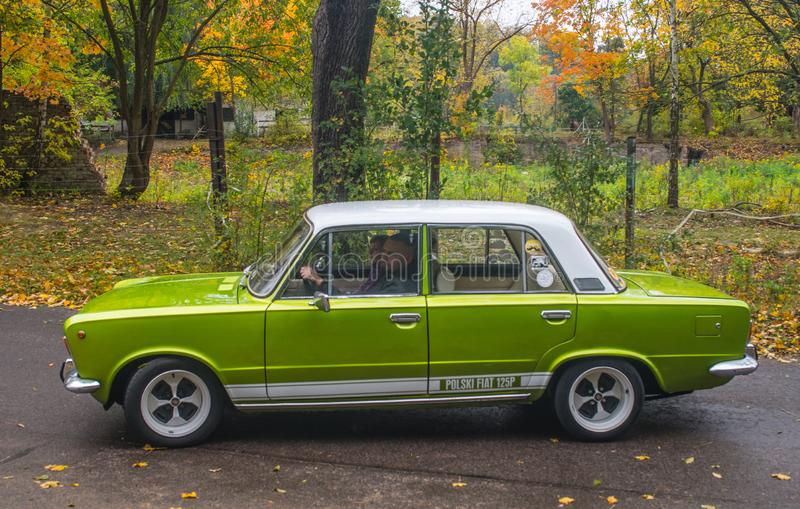 Polnisches Auto Polski Fiat 125p des Klassikers stockfoto