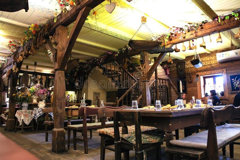 Polonia, 2019 07 restaurante del estilo de 01 vintages con muchos pequeño detalle, lugar perfecto pasar tiempo con los amigos o l imagenes de archivo
