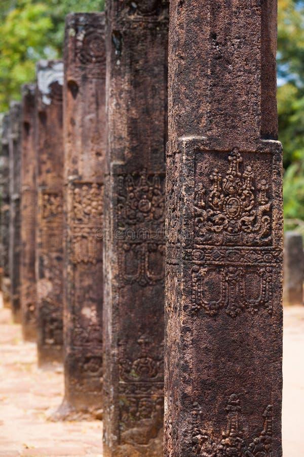Polonnaruwa Publikums-Hall-Spaltencarvings-Reihe stockfotos