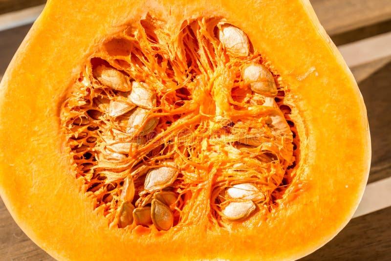 Polpa de Butternut com sementes imagem de stock royalty free