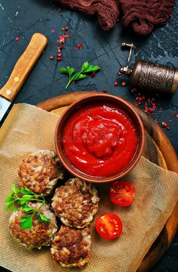 Polpette con salsa immagini stock