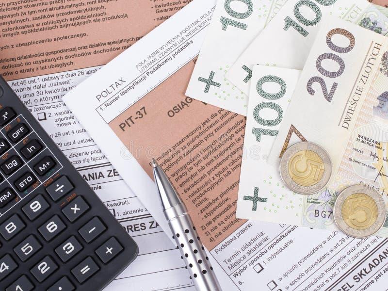 Polsk individuell inkomstskatt royaltyfria bilder