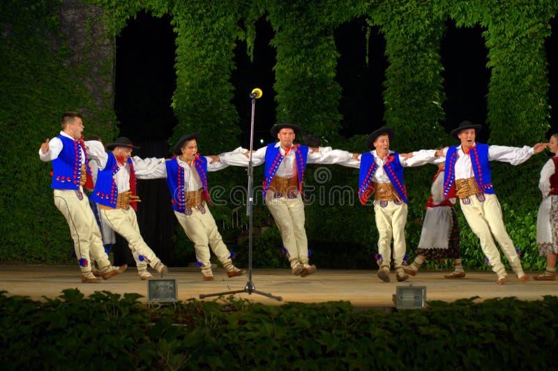Download Polski taniec zdjęcie stock editorial. Obraz złożonej z kombinezon - 57661938