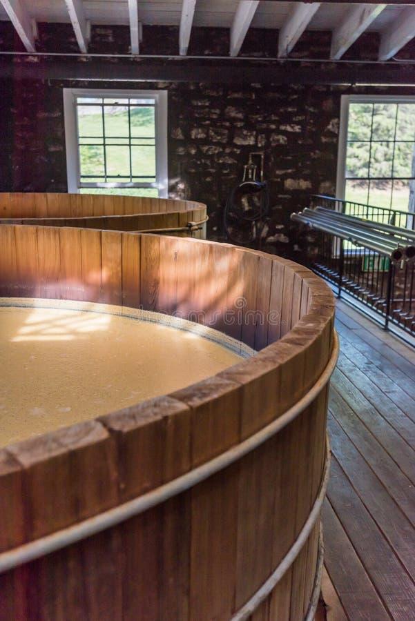 Poltiglia spessa di Bourbon in tino aperto fotografie stock