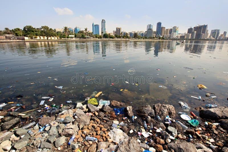 Poluição ambiental. imagens de stock
