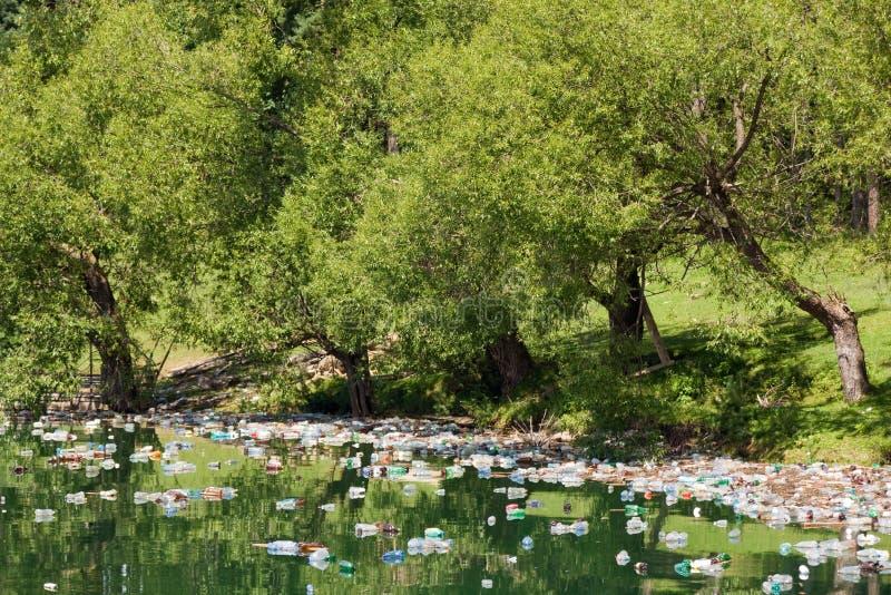Poluição da natureza fotos de stock