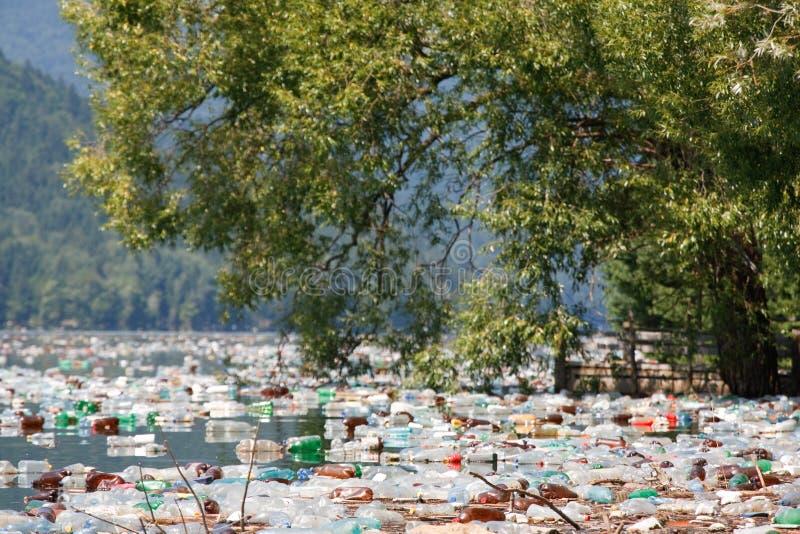 Poluição de água imagens de stock