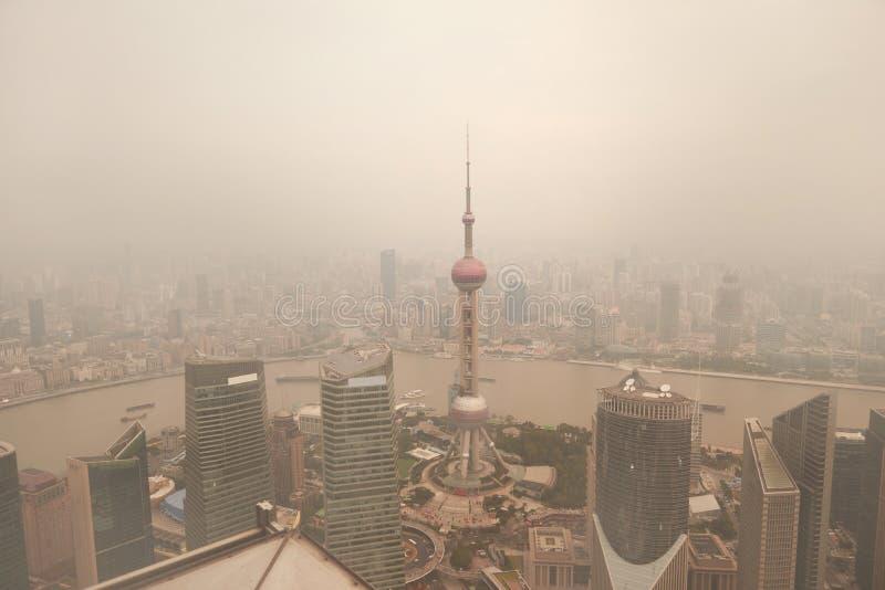 Poluição do ar de Shanghai China fotografia de stock royalty free