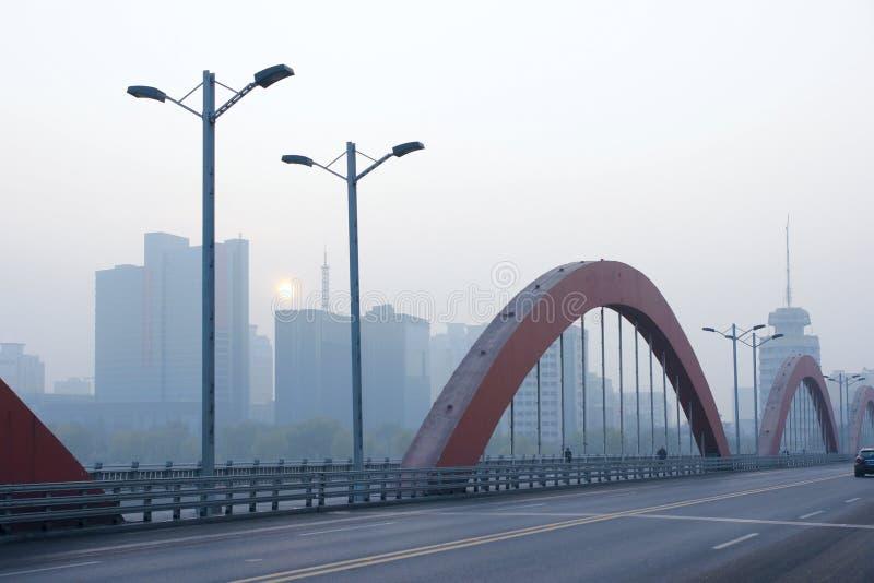 Poluição do ar na cidade imagens de stock royalty free