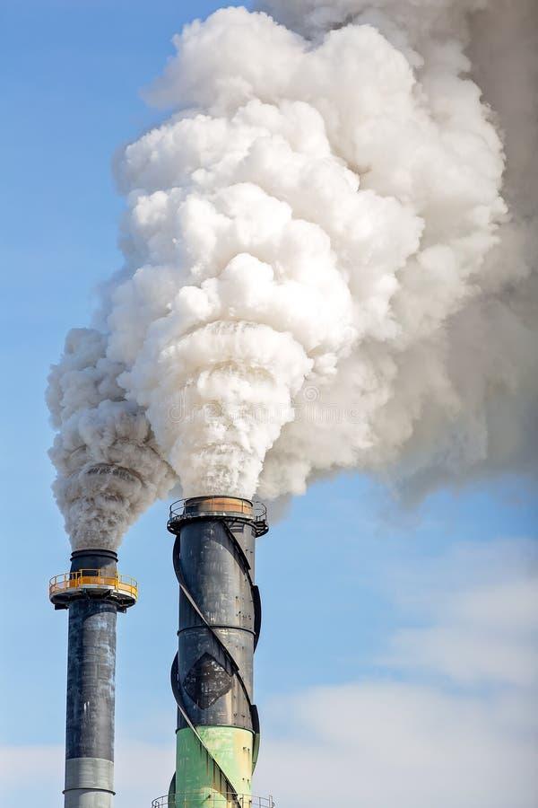 Poluição do fumo de Sugar Mill Factory imagens de stock