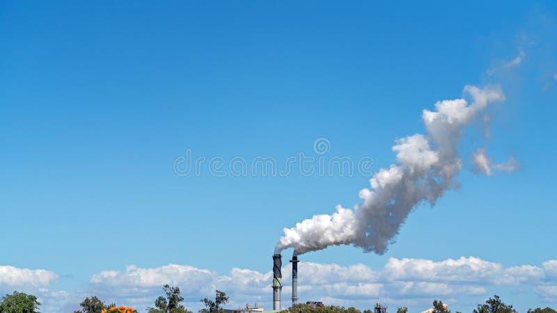 Poluição do fumo de Sugar Mill Factory fotografia de stock