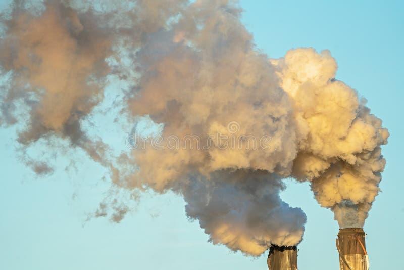 Poluição do fumo de Sugar Mill Refinery fotos de stock