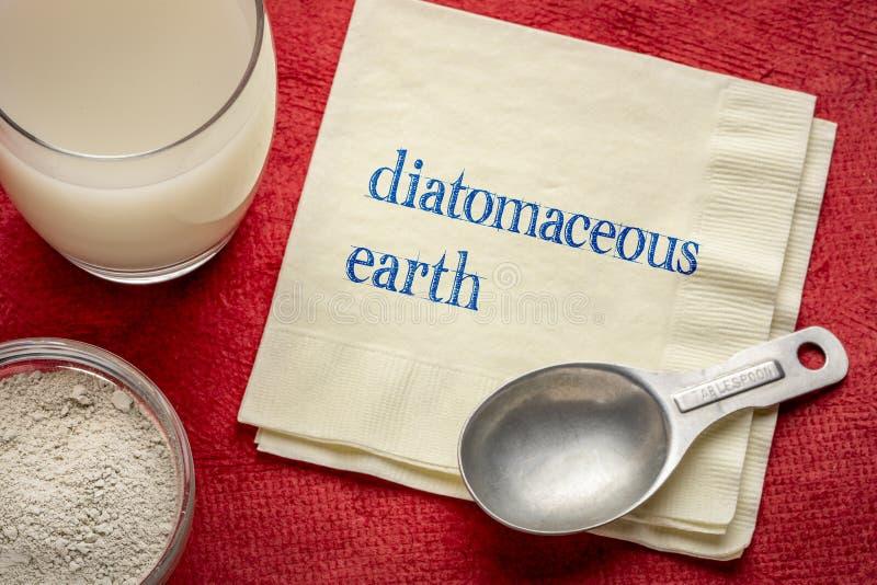Polvere della terra diatomacea ed in acqua fotografie stock libere da diritti