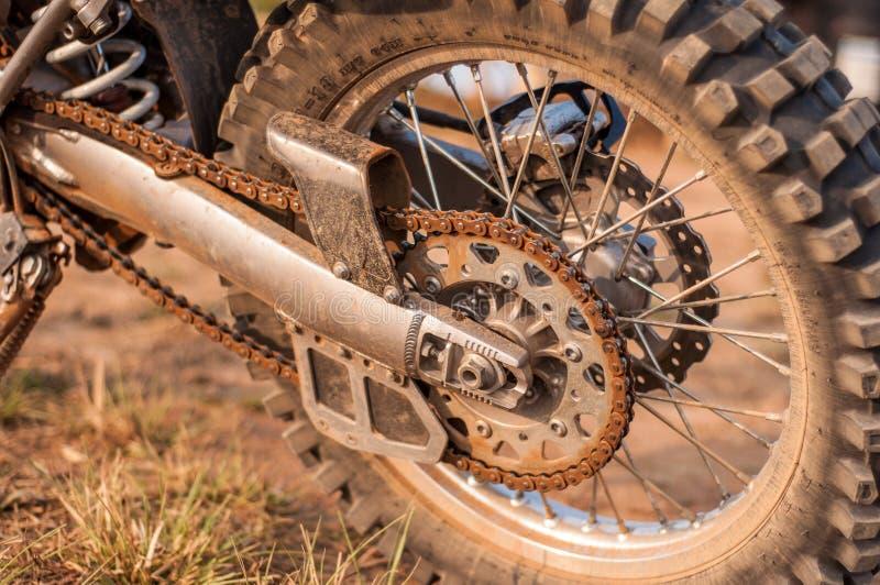Polvo en la rueda del motocycle foto de archivo libre de regalías