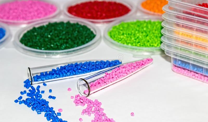Polymerische Färbung Farbstoff für Plastik Pigment in den Körnchen lizenzfreies stockfoto