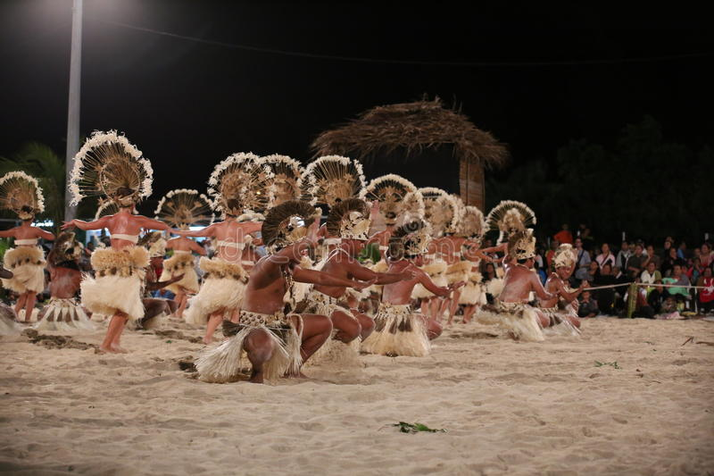 Polynesian dansare - Heiva 2013 i Bora Bora royaltyfri foto