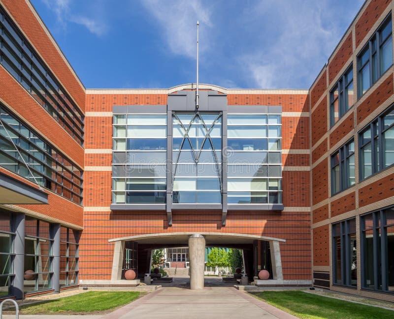 Polytechnische Schulgebäudee SAIT lizenzfreie stockbilder