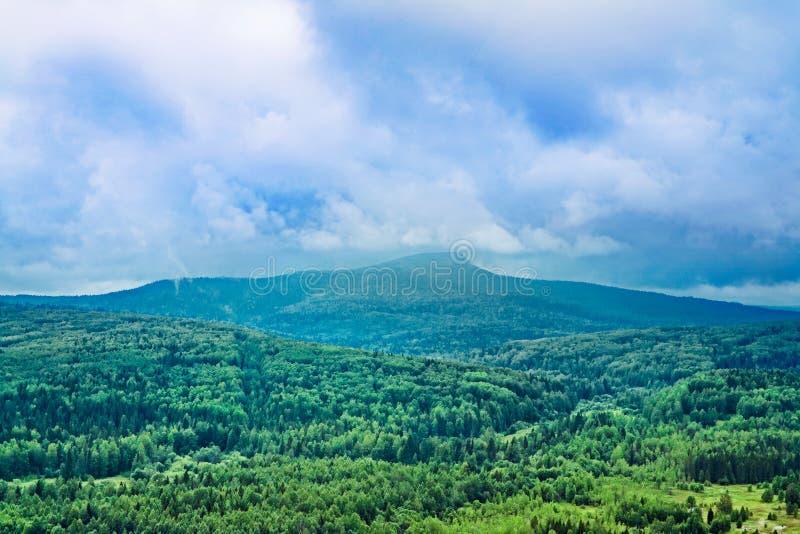 Polyud bergsikt arkivfoton
