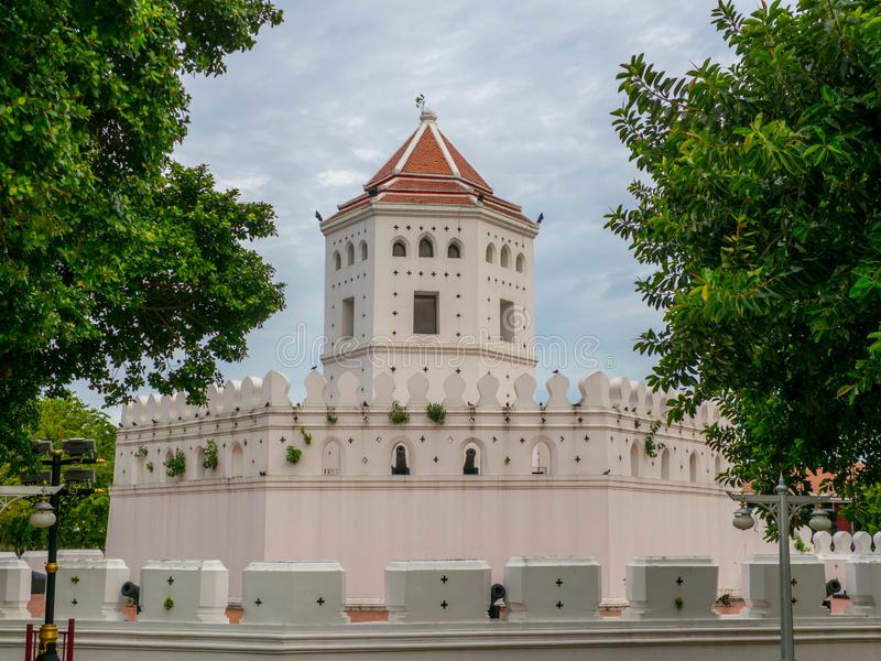 Pom Phra Sumen Fort ,The white fortress is sky-high, and park in Bangkok, Thailand. built to protect the capital from invasions. During the end of the 18th stock photos