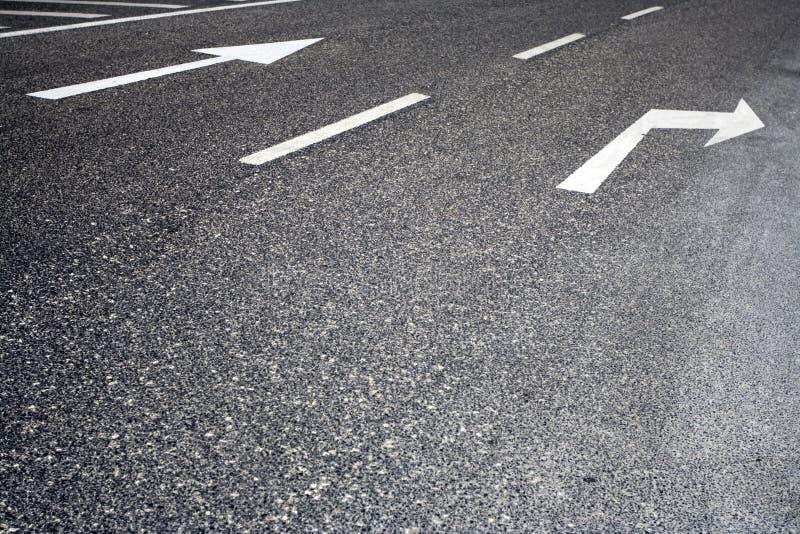 pomalowany znaków drogowych ruchu obrazy stock