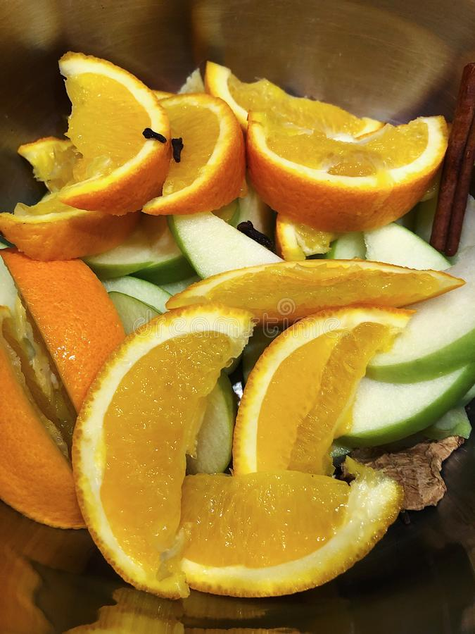 Pomarańcz pikantność dla rozmyślającego wina i jabłka zdjęcie royalty free