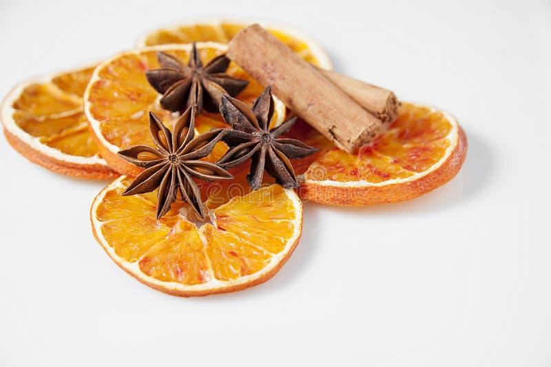 Pomarańcz pikantność i plasterki zdjęcia stock