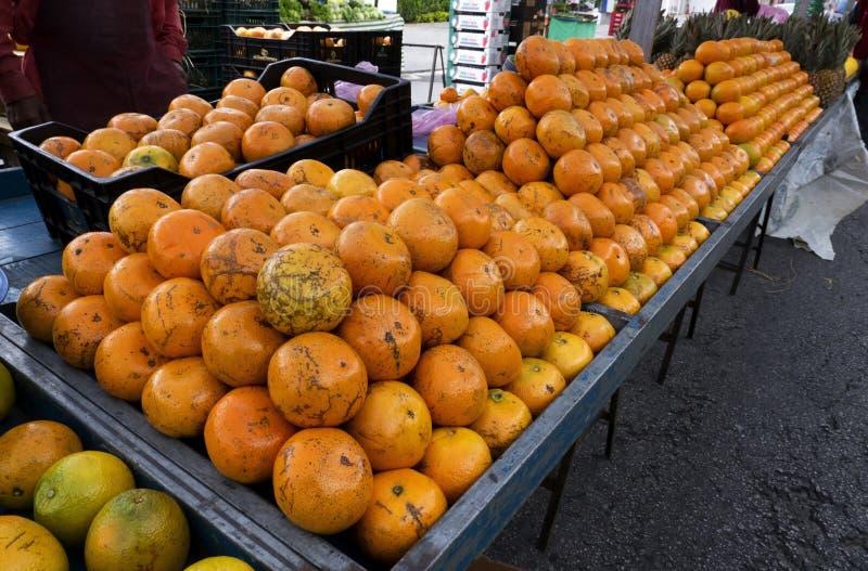 Pomarańcz yellos karmowej świeżości uliczny rynek zdjęcie royalty free