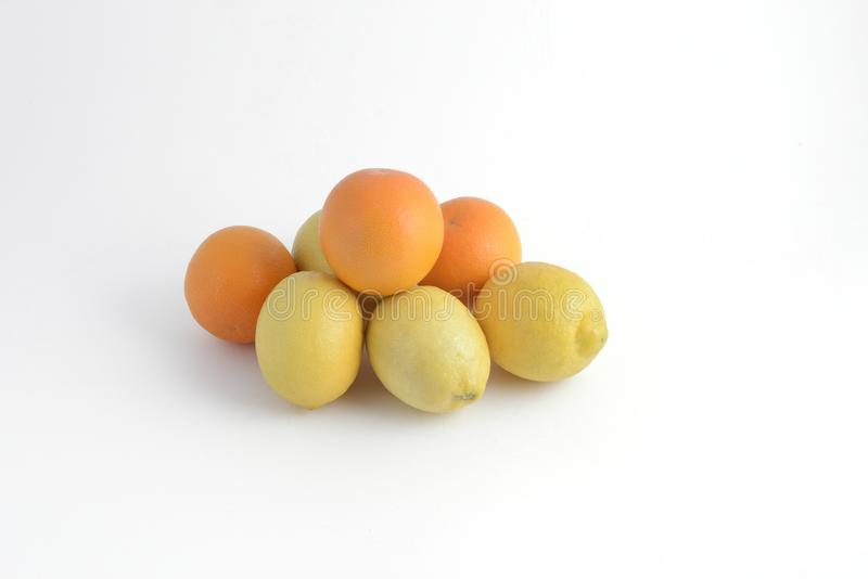 Pomarańcze i cytryny fotografia stock