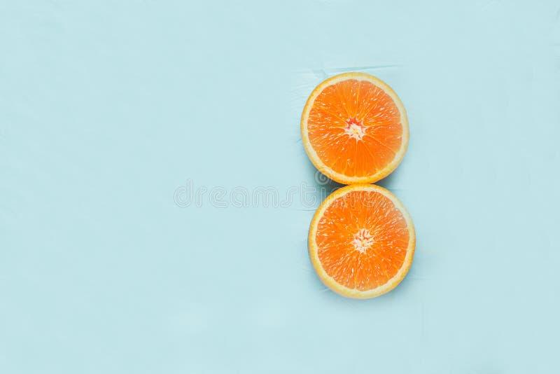 Pomarańcze na minimalistycznym tle zdjęcia royalty free