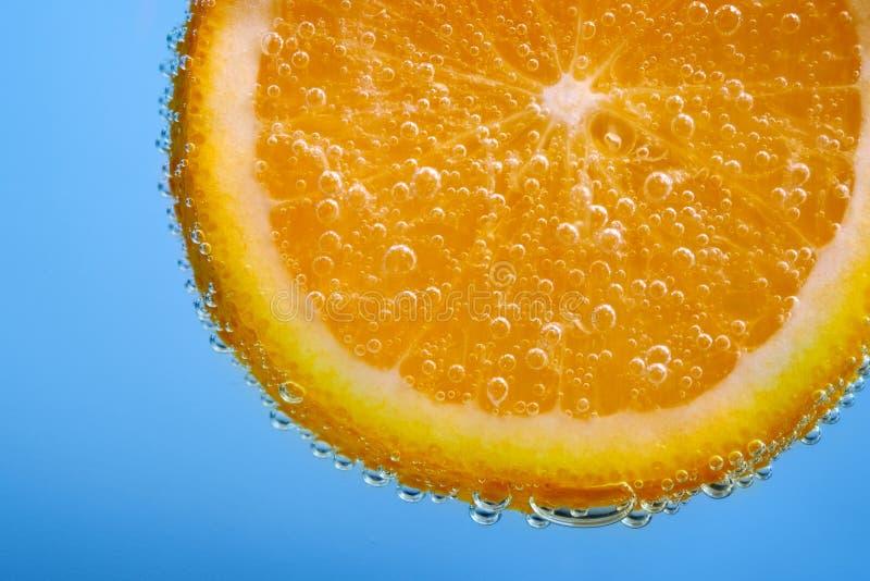 Pomarańczowa owoc z bąblami obrazy royalty free