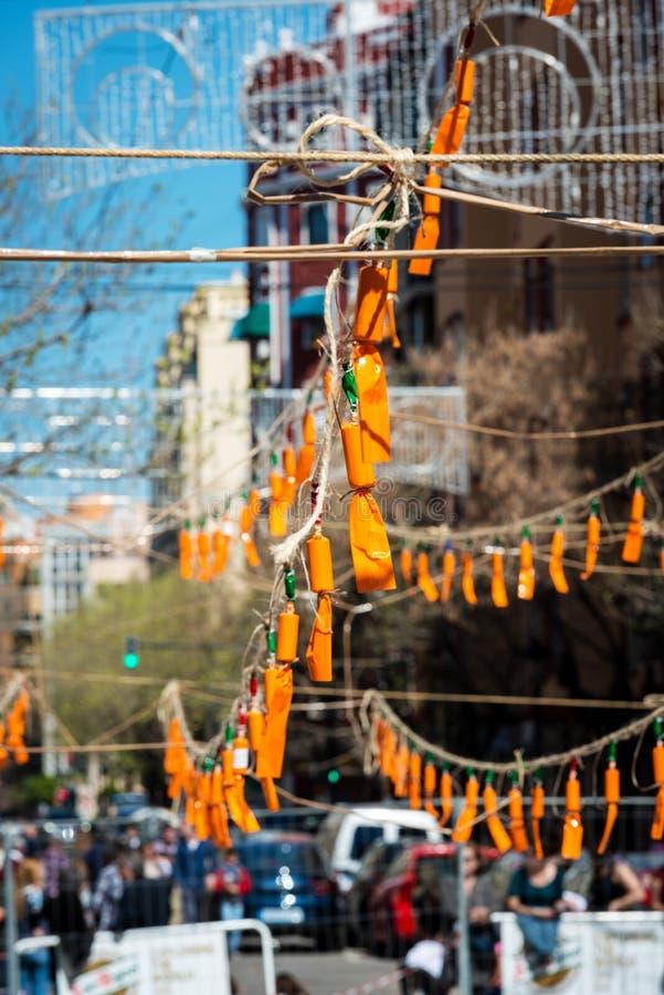 Pomarańczowe petardy podczas Fallas w Walencja zdjęcie stock