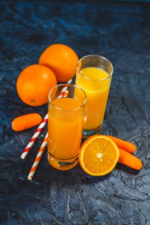 Pomarańczowy i marchwiany sok fotografia stock