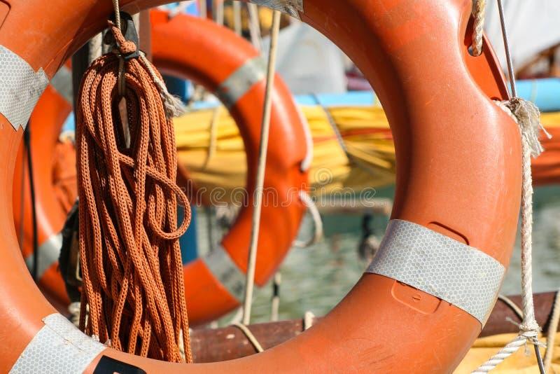Pomarańczowy lifebuoy na jachcie fotografia royalty free