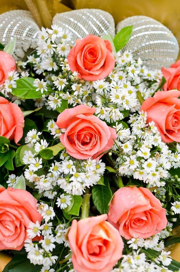 Pomarańczowy róż kwiatu bukiet obraz royalty free