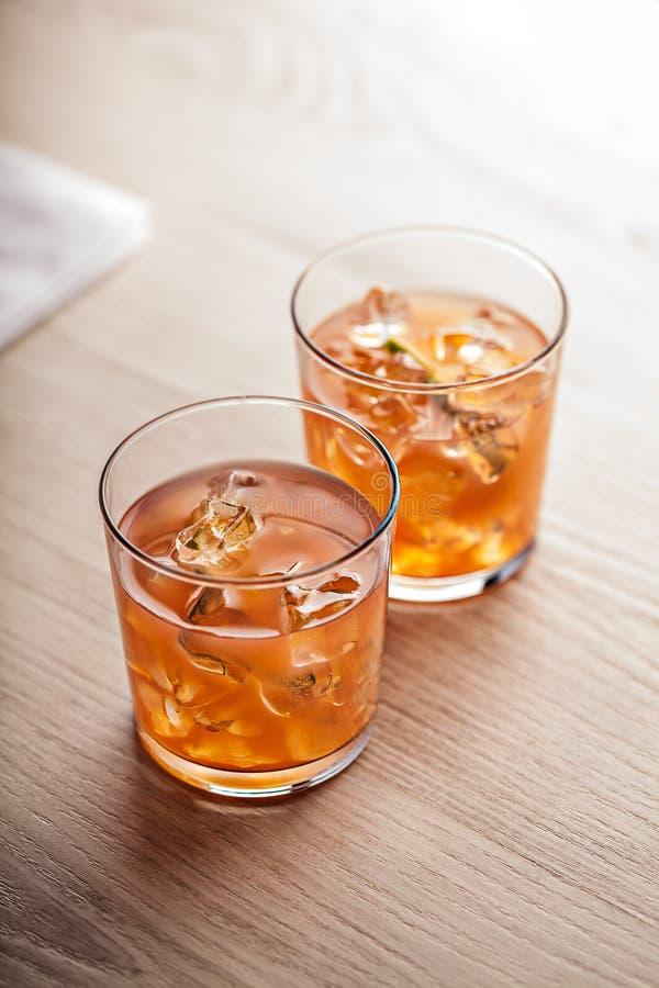 Pomarańczowy zimny lato koktajlu napój obrazy stock