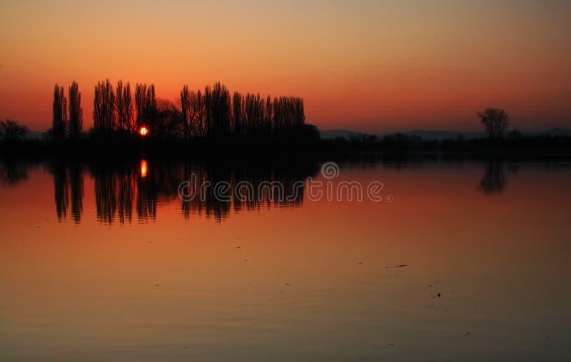 Download Pomarańcze Stawowy Nieba Zmierzch Zdjęcie Stock - Obraz złożonej z horyzontalny, krajobraz: 13338828