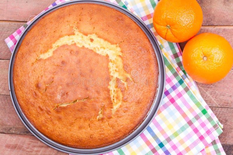 Download Pomarańcze tort obraz stock. Obraz złożonej z funda, ciasto - 42525601
