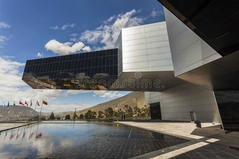 POMASQUI, EQUADOR - 15 DE ABRIL: Construção UNASUR, união do sul A imagem de stock royalty free