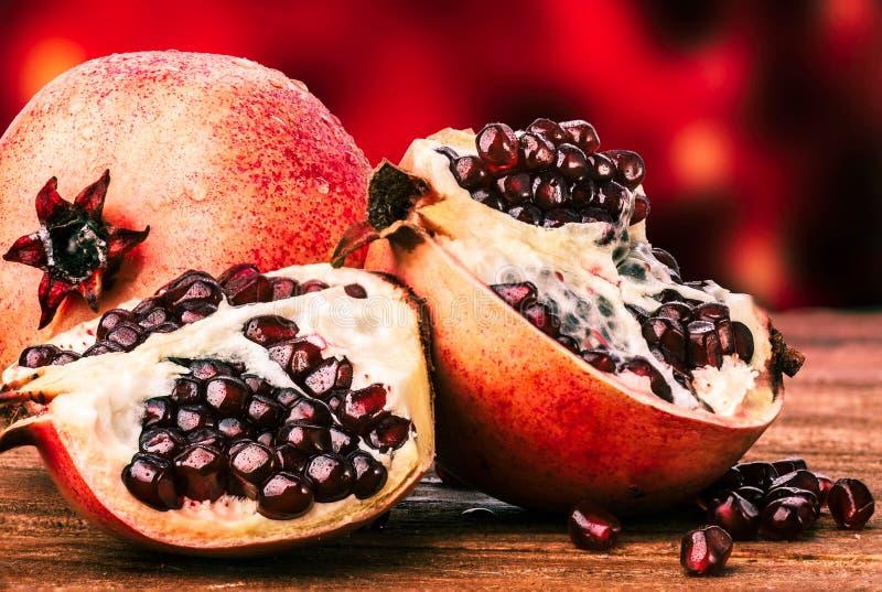 pomegranate зрелый стоковая фотография