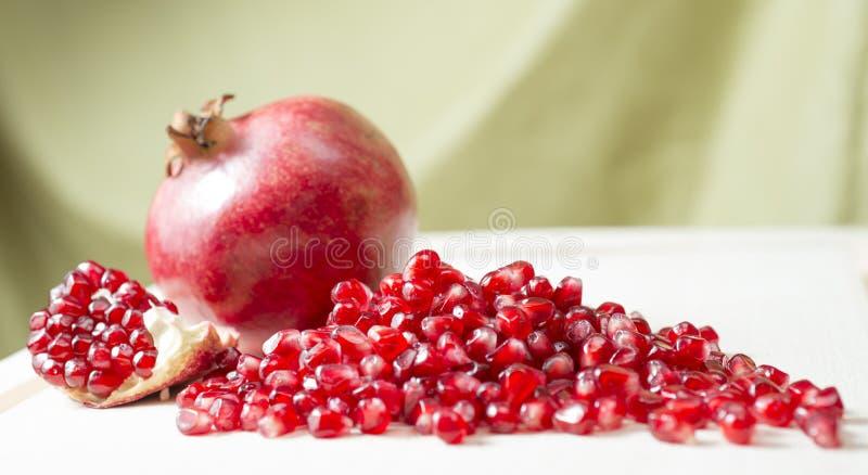 Pomegranatefrö royaltyfri foto