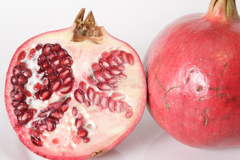 Pomegrante halb und vollständig stockfoto