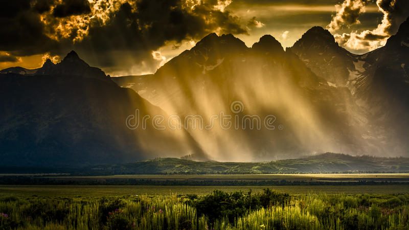Pomeriggio tempestoso nel Tetons immagine stock