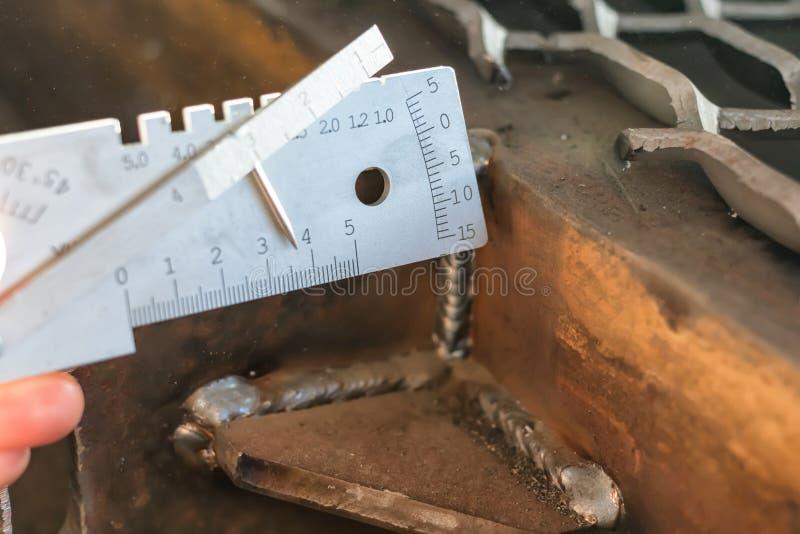 Pomiar spawki noga, krawędź kompensująca podczas kurtyzacji i inni parametry, zdjęcia royalty free