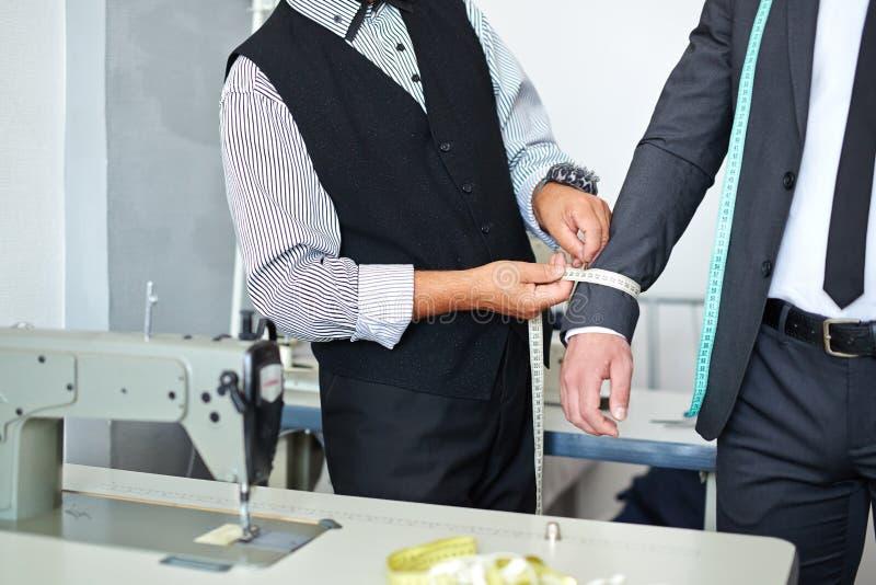 Pomiarowy kurtka rękaw obrazy stock