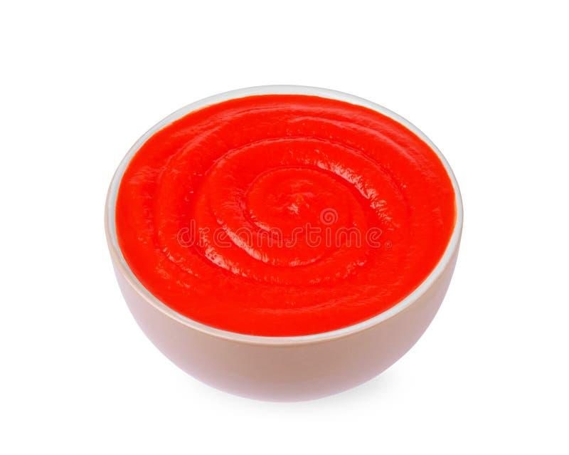 Pomidorowa pasta w talerzu na białym tle zdjęcie royalty free