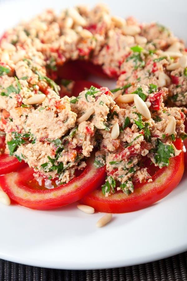 Pomidoru i tuńczyka ryba sałatka fotografia royalty free