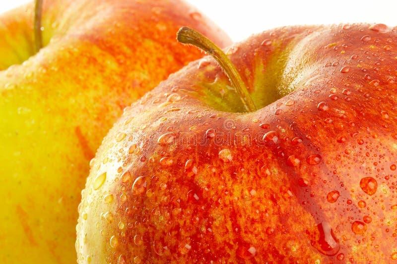Download Pomme fraîche photo stock. Image du details, gouttelettes - 2128288