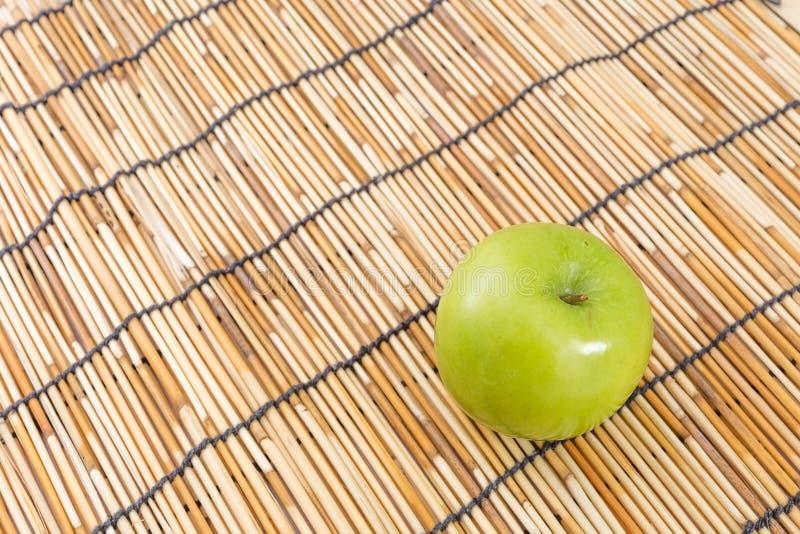Download Pomme verte image stock. Image du mûr, sain, frais, doux - 45356293